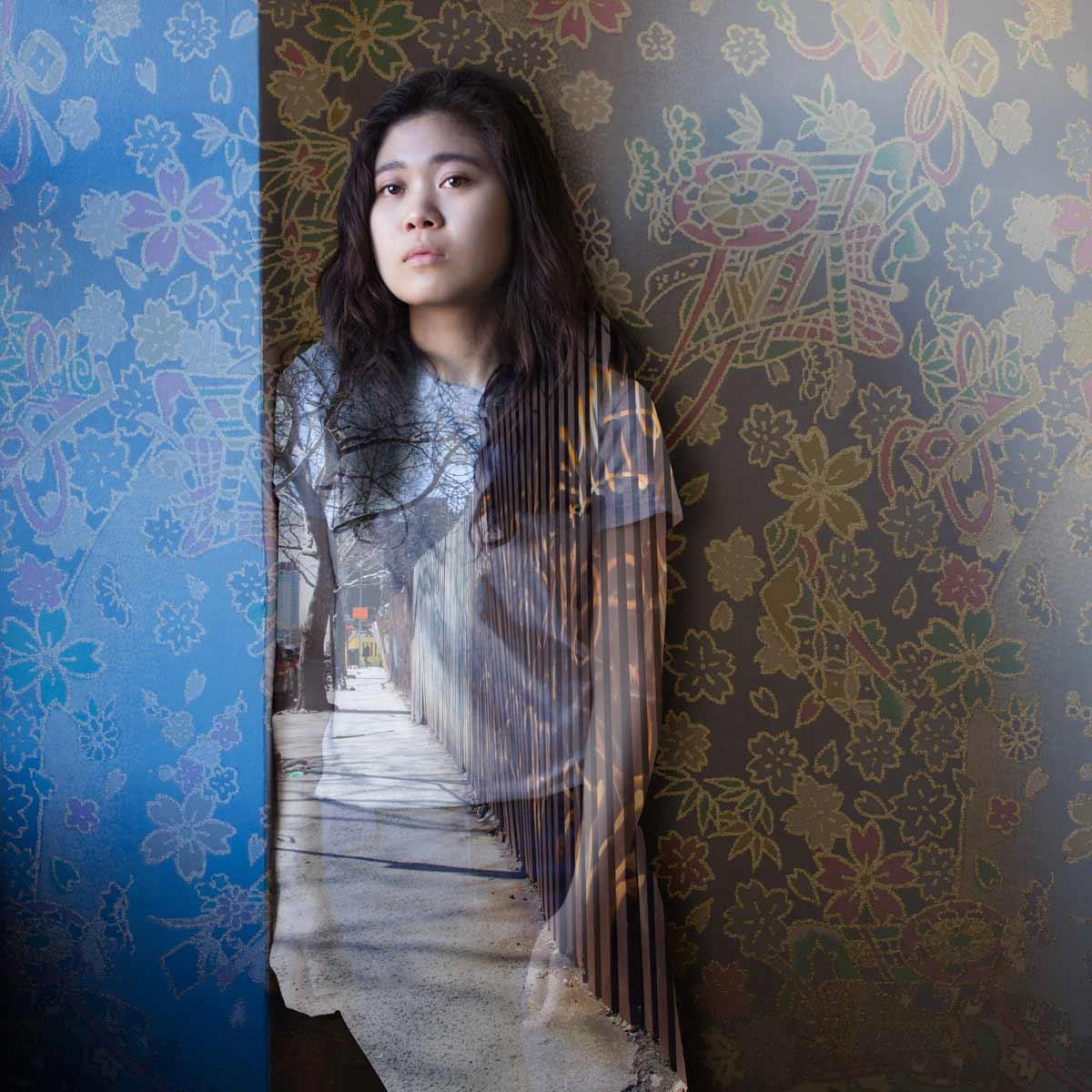 Saudi Photographer, Bilo Hussein, Takes Portraits of Women Far From Home